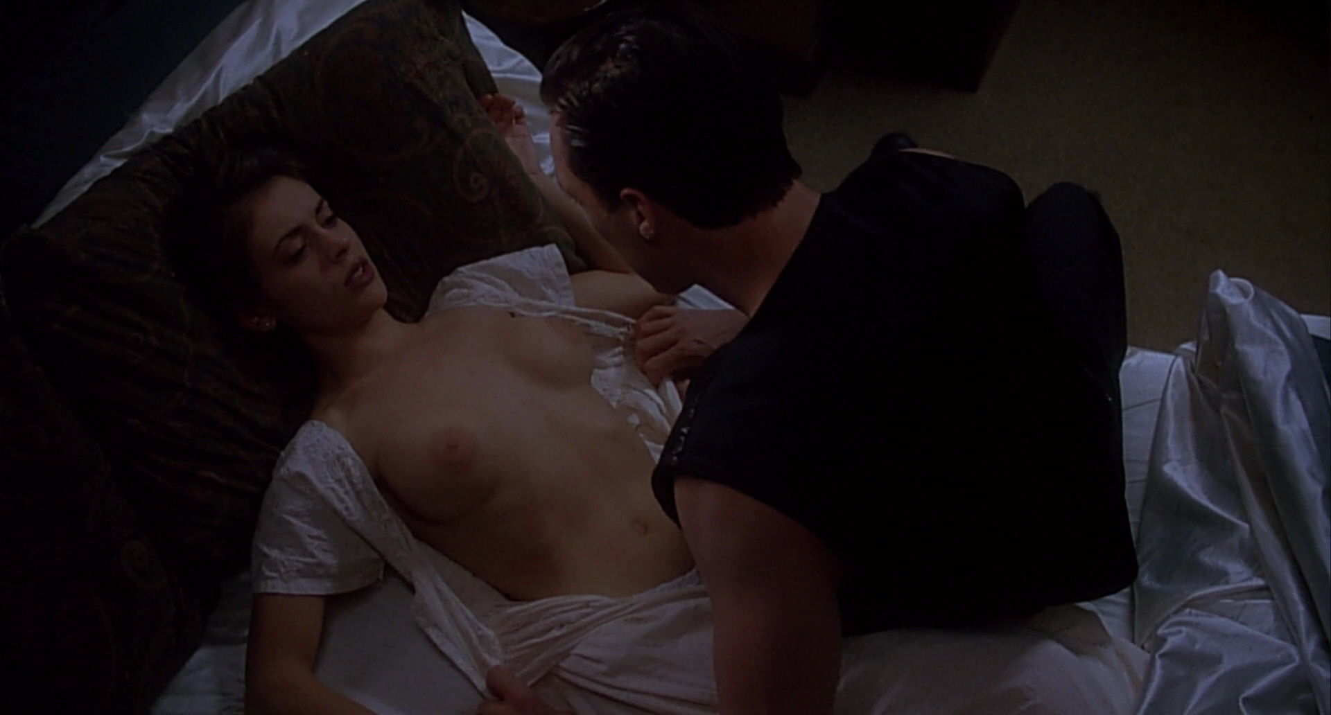 Alyssa milano orgy in embrace of the vampire picture