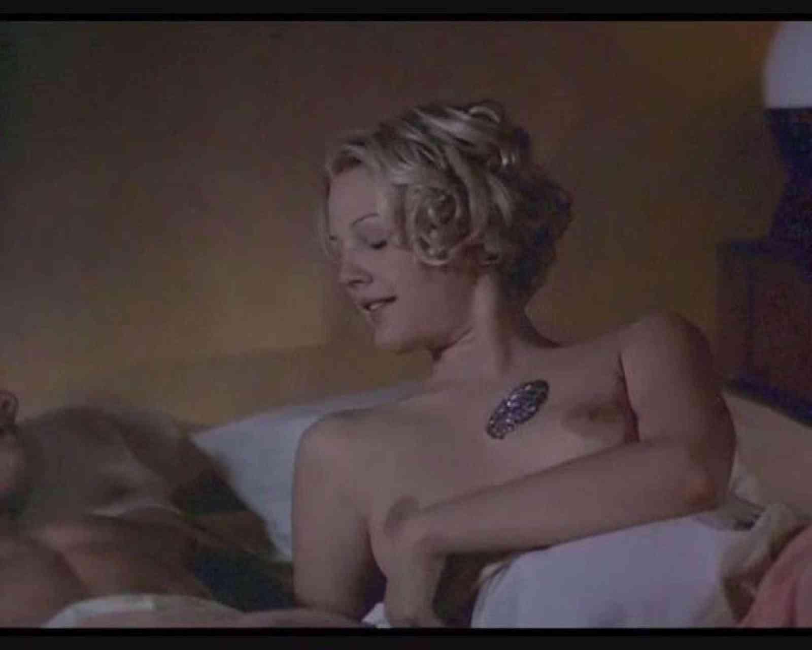 Drew Barrymore Porn Scene Drew Barrymore Nipples Free Pics Sex Images Porn