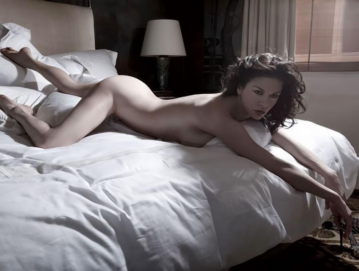 Jenna Elfman Naked